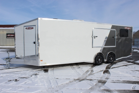 Enclosed Trailers Keep Out the Elements